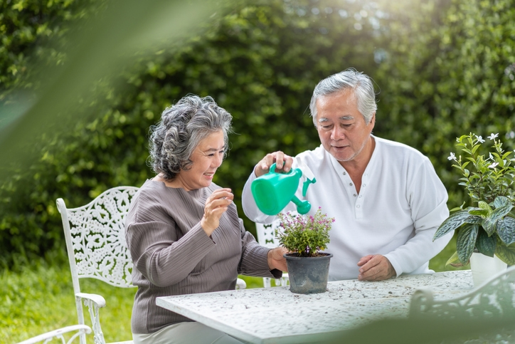 outdoors for seniors - elder care baltimore
