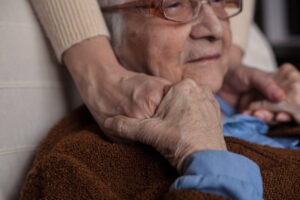 These tips can help when caring for a loved one in the late stages of Alzheimer's.