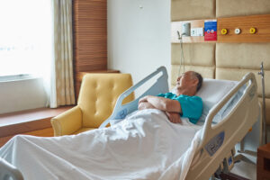 A new approach is being developed to treating delirium in seniors during hospitalization.